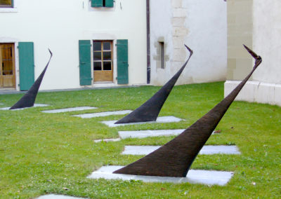 5 Aux 4 coins du monde, bronze, 1m70, outdoor garden & sculptures, ECOGIA, ICRC training center*