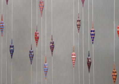 7 La couleur en héritage, acrylic plaster, sculpture 19cm, cable 4m50*