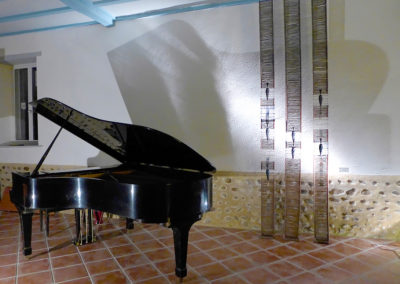 8 Nil bleu, links for rebar, colored acrylic plaster, 3m50, for a private music room, France*